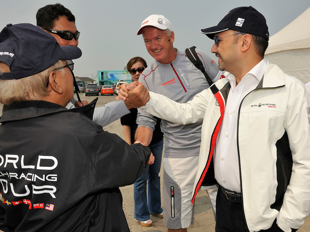 WMRT Executive Chairman, Patrick Lim, introduces Peter Gilmour, Yanmar Racing toTan Sri Sabbaruddin Chik, Chairman of Tbest Events (Monsoon Cup). Photo:Chris Davies/WMRT