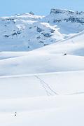 Allein im Schnee, Schneeschuhwanderer auf Melchsee-Frutt
