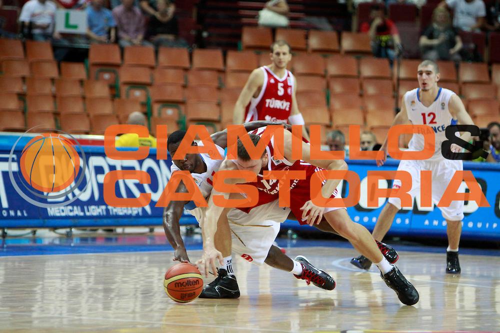 DESCRIZIONE : Katowice Poland Polonia Eurobasket Men 2009 Semifinal 5-8 place Francia France Turchia Turkey <br /> GIOCATORE : Florent Pietrus<br /> SQUADRA : Francia France<br /> EVENTO : Eurobasket Men 2009<br /> GARA : Francia France Turchia Turkey <br /> DATA : 19/09/2009 <br /> CATEGORIA :<br /> SPORT : Pallacanestro <br /> AUTORE : Agenzia Ciamillo-Castoria/H.Bellenger<br /> Galleria : Eurobasket Men 2009 <br /> Fotonotizia : Katowice  Poland Polonia Eurobasket Men 2009 Semifinal 5-8 place Francia France Turchia Turkey <br /> Predefinita :