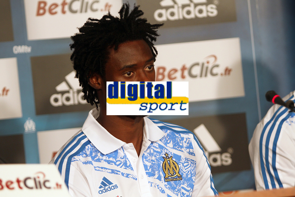 FOOTBALL - MISCS - FRENCH CHAMPIONSHIP 2011/2012 - LIGUE 1 -OLYMPIQUE MARSEILLE - 29/06/2011 - PHOTO PHILIPPE LAURENSON / DPPI - MARSEILLE'S NEWS PLAYERS NICOLAS N'KOULOU DURING HIS PRESENTATION