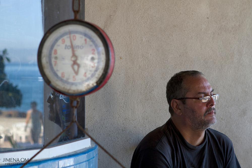 Miguel Güereña directivo de la Cooperativa de Pescadores Rosita, en Puerto Vallarta.