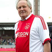 Amsterdam, 03-07-2013. Oud-Ajaxied Sjaak Swart wordt 75 jaar en krijgt een jubileumwedstrijd in het Olympisch Stadion te Amsterdam. Vele oud-Ajax gedienden waren uitgenodigd. Mr. Ajax - Sjaak Swart maakte deel uit van oud-Ajax elftal. Foto: Arie Haan.
