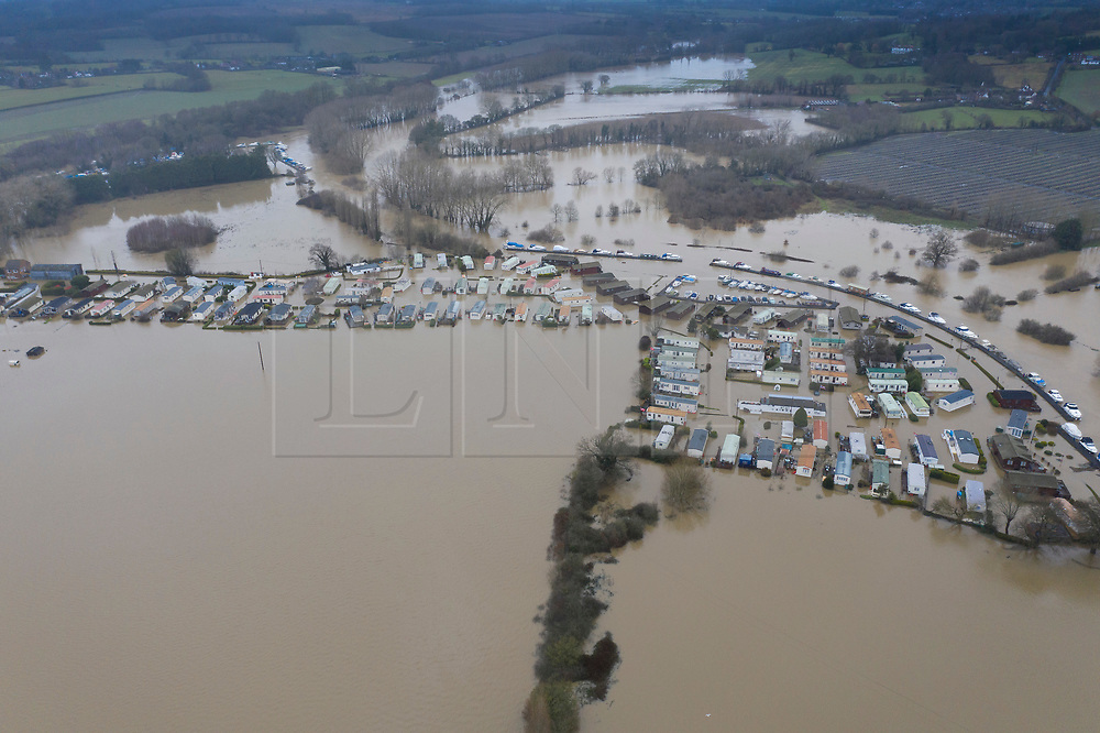 DATE CORRECT AS CAPTIONED  © Licensed to London News Pictures. 22/12/2019. Yalding, UK. Flood water has inundated the Little Venice caravan park near Yalding in Kent after the River Medway burst its banks. River levels remain high after a second night of heavy rain in the south. More rain is expected today. Photo credit: Peter Macdiarmid/LNP
