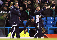 Photo: Paul Thomas.<br />Leeds United v Southampton. Coca Cola Championship. 18/11/2006.<br /><br />Dennis Wise (R), Leeds manager.