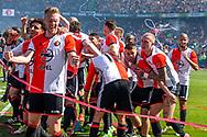 14-05-2017: Voetbal: Feyenoord v Heracles Almelo: Rotterdam<br /> <br /> (L-R) Feyenoord speler Nicolai Jorgensen juicht na afloop van het Eredivisie duel tussen Feyenoord en Heracles Almelo op 14 mei 2017 in stadion Feyenoord (de Kuip)<br /> <br /> Eredivisie - Seizoen 2016 / 2017<br /> <br /> Foto: Gertjan Kooij