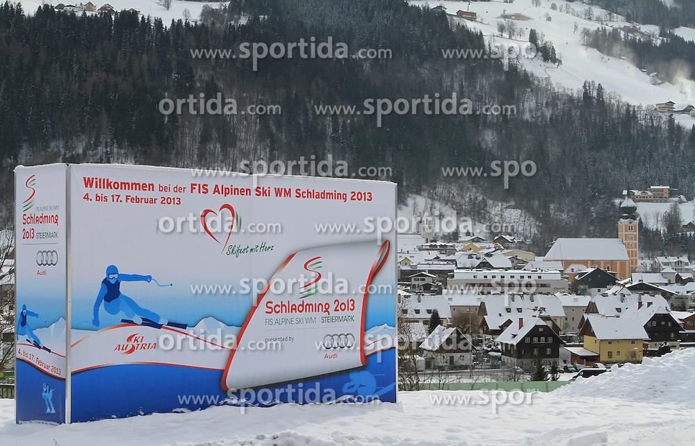 07.12.2012, Schladming, AUT, FIS Weltmeisterschaften Ski Alpin, Schladming 2013, Vorberichte, im Bild eine Werbetafel und Schladming am 07.12.2012 // billboard and the town of Schladming on 2012/12/07, preview to the FIS Alpine World Ski Championships 2013 at Schladming, Austria on 2012/12/07. EXPA Pictures © 2012, PhotoCredit: EXPA/ Martin Huber