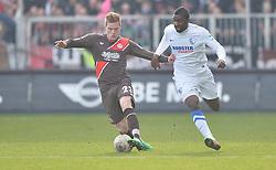 Football: Germany, 2. Bundesliga, 15.02.2014<br />Marcel Halstenberg (FC St. Pauli, #23) vs Richard Sukuta-Pasu (VfL Bochum, #9)<br />?? pixathlon