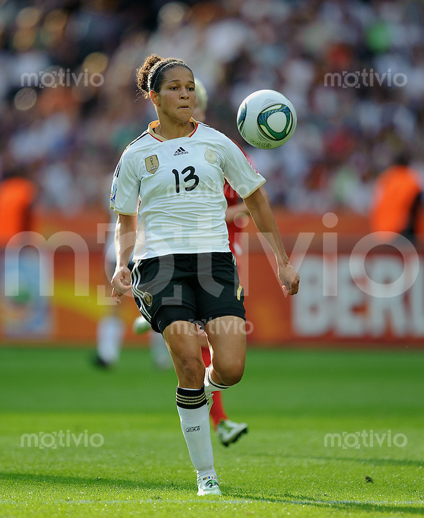 Fussball international Saison 2011 2011 FIFA Women's World Cup 2011 Deutschland - Kanada CELIA OKOYINO DA MBABI (GER).