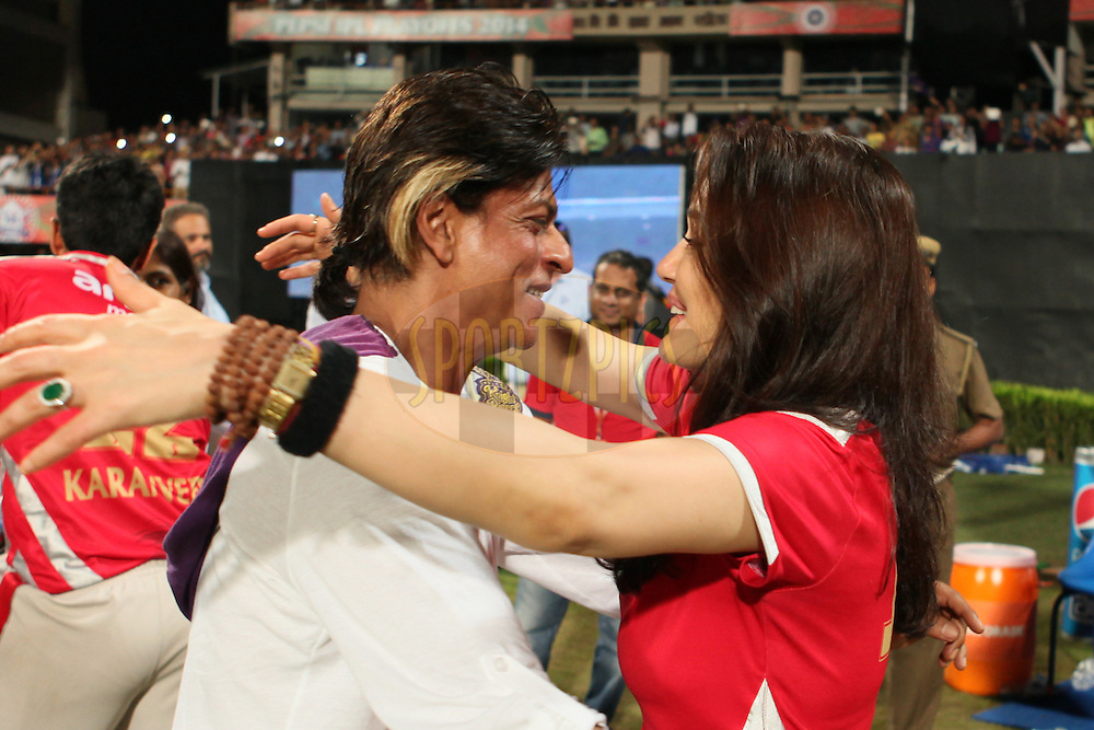 KKR co-owner SRK(L and KXIP co-owner Prety Zinta greets each other during the first qualifier match (QF1) of the Pepsi Indian Premier League Season 2014 between the Kings XI Punjab and the Kolkata Knight Riders held at the Eden Gardens Cricket Stadium, Kolkata, India on the 28th May  2014<br /> <br /> Photo by Saikat Das / IPL / SPORTZPICS<br /> <br /> <br /> <br /> Image use subject to terms and conditions which can be found here:  http://sportzpics.photoshelter.com/gallery/Pepsi-IPL-Image-terms-and-conditions/G00004VW1IVJ.gB0/C0000TScjhBM6ikg