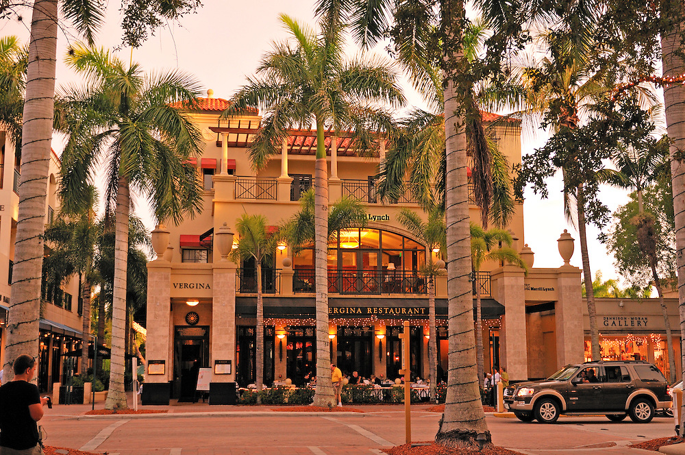 5th Avenue Shopping area, Historic Downtown Naples, Florida, USA