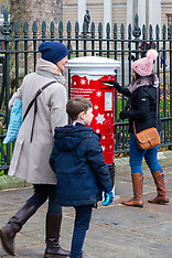 2018-11-23-ROYAL_MAIL