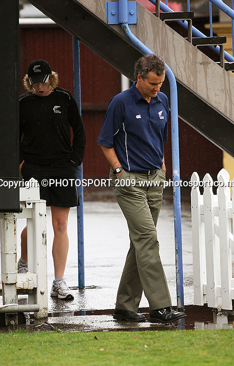 Umpire Billy Bowden and NZ captain Haidee Tiffen walk out for the final pitch inspection before calling the match off.<br /> Women's Rose Bowl cricket series - 5th ODI. New Zealand White Ferns v Australia at Allied Prime Basin Reserve, Wellington. Thursday, 12 February 2009. Photo: Dave Lintott/PHOTOSPORT