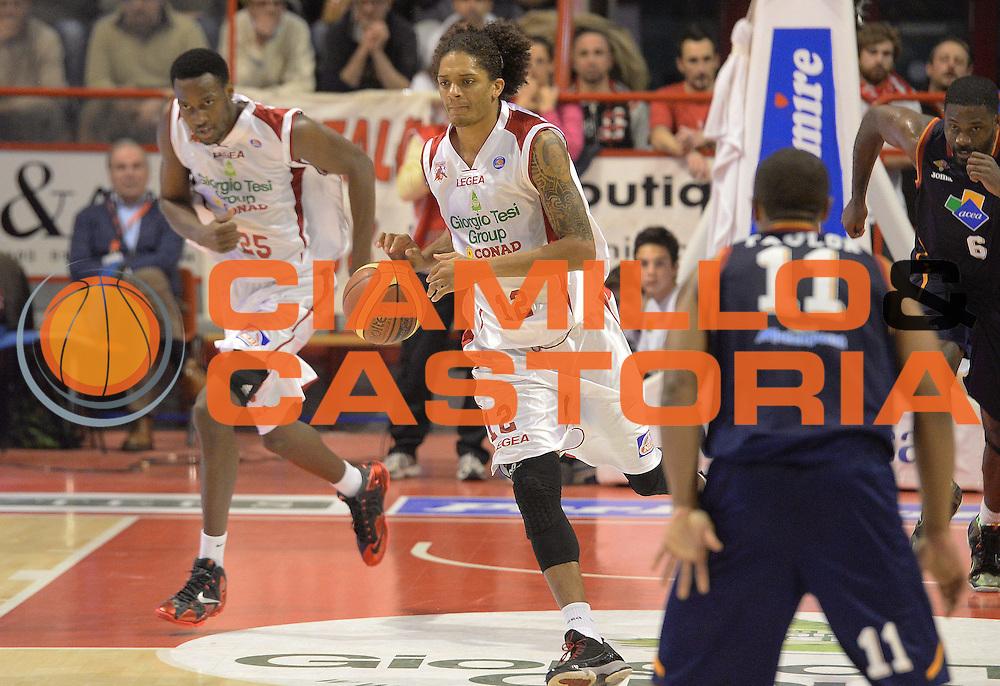 DESCRIZIONE : Pistoia Lega serie A 2013/14 Giorgio Tesi Group Pistoia Acea Roma<br /> GIOCATORE : Deron Washington<br /> CATEGORIA : Contropiede<br /> SQUADRA : Giorgio Tesi Group Pistoia<br /> EVENTO : Campionato Lega Serie A 2013-2014<br /> GARA : Giorgio Tesi Group Pistoia Acea Roma<br /> DATA : 29/12/2013<br /> SPORT : Pallacanestro<br /> AUTORE : Agenzia Ciamillo-Castoria/GiulioCiamillo<br /> Galleria : Lega Seria A 2013-2014<br /> Fotonotizia : Pistoia Lega serie A 2013/14 Giorgio Tesi Group Pistoia Acea Roma<br /> Predefinita :