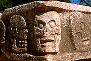 MEXICO, MAYAN, YUCATAN Chichén Itzá; Temple of Skulls