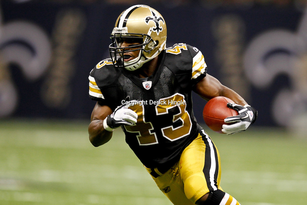 November 6, 2011; New Orleans, LA, USA; New Orleans Saints running back Darren Sproles (43) against the Tampa Bay Buccaneers during thethird quarter of a game at the Mercedes-Benz Superdome. The Saints defeated the Buccaneers 27-16. Mandatory Credit: Derick E. Hingle-US PRESSWIRE