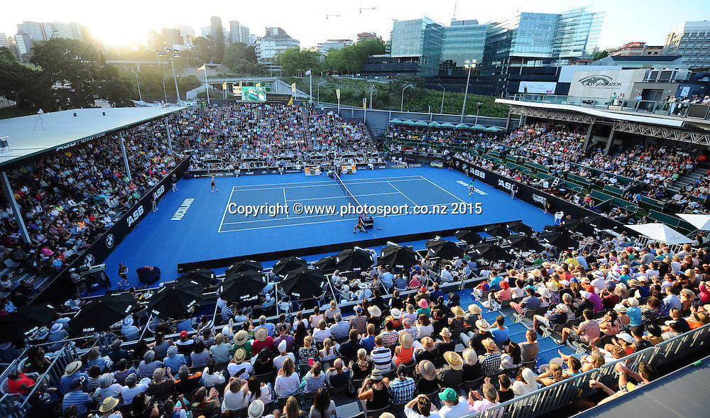 Fans fill centre court during the Venus Williams (USA) match against Elena Vesnina(RUS) during the Quarter Finals of the ASB Classic Women's International. ASB Tennis Centre, Auckland, New Zealand. Thursday 8 January 2015. Copyright photo: Chris Symes/www.photosport.co.nz