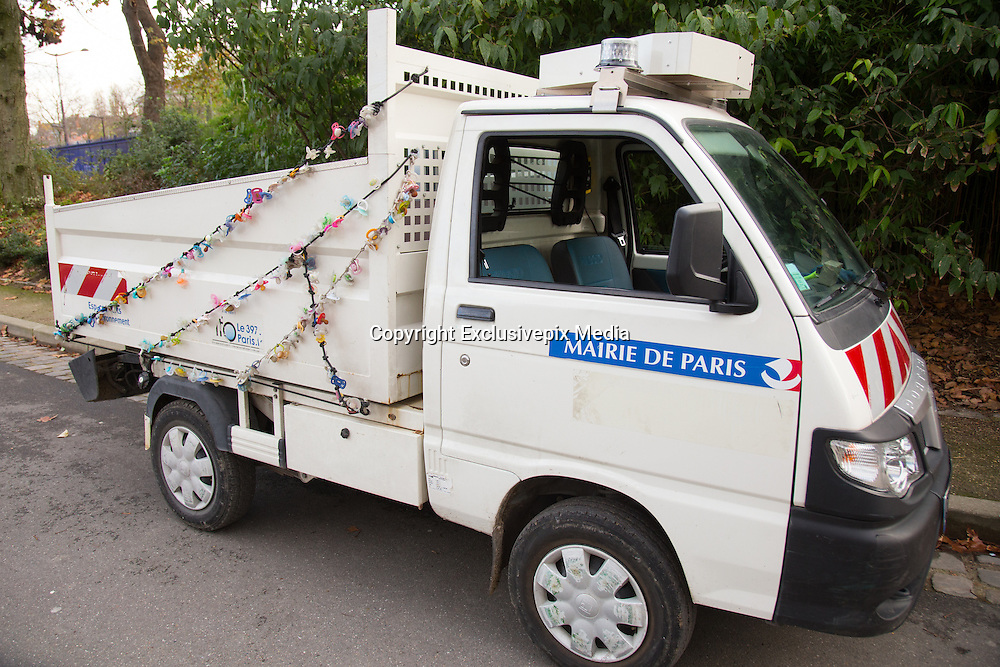 COLLECTION BABY DUMMIES LOST IN THE PARK NOW DECORATE ON PARK GARDENERS TRUCK<br /> &copy;Exclusivepix Media