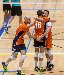 04-06-2016 NED: Nederland - Duitsland, Doetinchem<br /> Nederland speelt de tweede oefenwedstrijd in Doetinchem / Jasper Diefenbach #6, Robbert Andringa #18