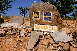 14-06-2017 NED: We hike to change diabetes day 5, Villafranca del Bierzo<br /> De vijfde dag van Ponferrada naar Villafranca del Bierzo. Een tocht van 26 km door heuvelachtig landschap en prachtige wijngaarden. / Spain