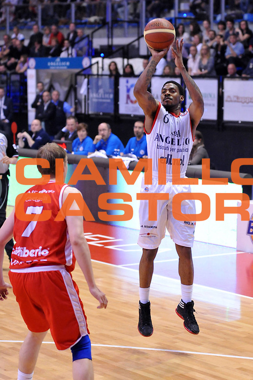 DESCRIZIONE : Biella Lega A 2011-12 Angelico Biella Cimberio Varese<br /> GIOCATORE : Aubrey Coleman<br /> CATEGORIA : Tiro<br /> SQUADRA : Angelico Biella<br /> EVENTO : Campionato Lega A 2011-2012<br /> GARA : Angelico Biella Cimberio Varese<br /> DATA : 09/04/2012<br /> SPORT : Pallacanestro<br /> AUTORE : Agenzia Ciamillo-Castoria/S.Ceretti<br /> Galleria : Lega Basket A 2011-2012<br /> Fotonotizia : Biella Lega A 2011-12 Angelico Biella Cimberio Varese<br /> Predefinita :