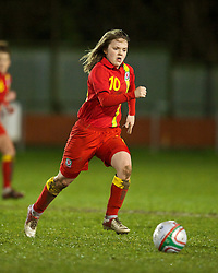 NEWTOWN, WALES - Friday, February 1, 2013: Wales' Ellie Curson in action against Norway during the Women's Under-19 International Friendly match at Latham Park. (Pic by David Rawcliffe/Propaganda)