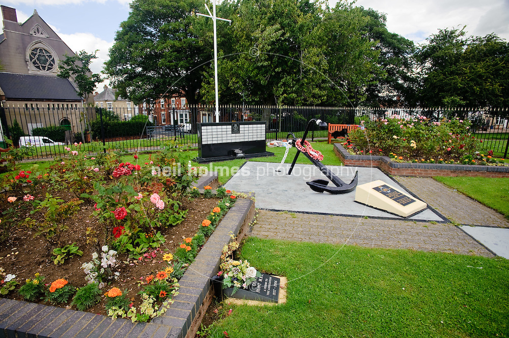 Seaman's memorial on Lock Hill, Goole