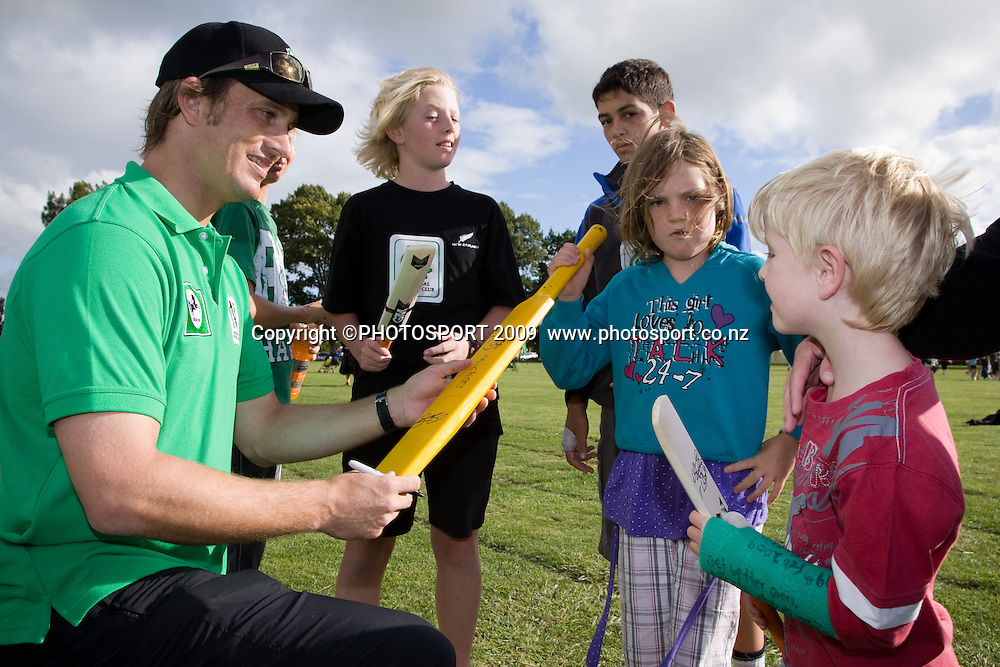 National Bank sponsored National Cricket Club (NCC) coaching day featuring Blackcaps (Shane Bond) at Melville High School, Hamilton, New Zealand, Tuesday 10 March 2009.  Photo: Stephen Barker/PHOTOSPORT