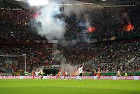 FUSSBALL  INTERNATIONAL  EM 2012  QUALIFIKATION  Deutschland - Belgien                              11.10.2011 Fans der Nationalmannschaft von Belgien zuenden in der Esprit-Arena Bengalos
