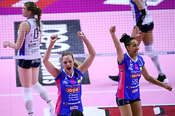28-04-2017 ITA: Pomi Casalmaggiore - Igor Gorgonzola Novara, Cremona<br /> Semi Final playoff / PIETERSEN JUDITH, BONIFACIO SARA<br /> <br /> ***NETHERLANDS ONLY***