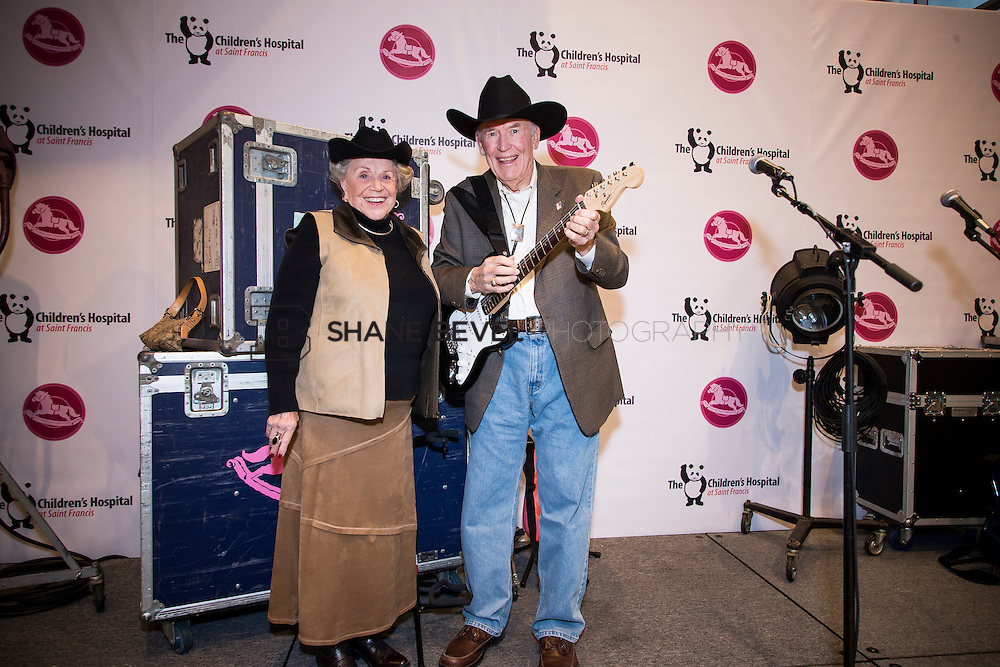 11/1/13 6:28:17 PM --- 2013 Painted Pony Ball for The Children's Hospital at Saint Francis with Chris Young and Dwight Yoakam. <br /> <br /> Photo by Shane Bevel