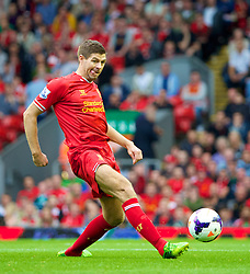 17.08.2013, Anfield, Liverpool, ENG, Premier League, FC Liverpool vs Stoke City, 1. Runde, im Bild Liverpool's captain Steven Gerrard in action against Stoke City during the Premiership match at Anfield during the English Premier League 1st round match between Liverpool FC and Stoke City FC at Anfield, Liverpool, Great Britain on 2013/08/17. EXPA Pictures © 2013, PhotoCredit: EXPA/ Propagandaphoto/ David Rawcliffe<br /> <br /> ***** ATTENTION - OUT OF ENG, GBR, UK *****