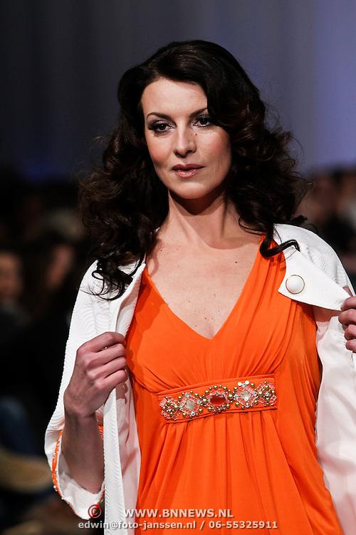 NLD/Amsterdam/20100301 - Modeshow Raak 2010, Irene van Laar