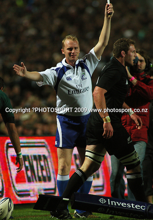 Assistant referee Wayne Barnes.<br /> Investec Tri-Nations rugby match - All Blacks v Springboks at Rugby Park, Hamilton, New Zealand on Saturday 12 September 2009. Photo: Dave Lintott/PHOTOSPORT
