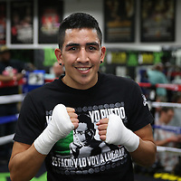 LAS VEGAS, NV - APRIL 14: Leo Santa Cruz works out at the Mayweather Boxing Club on April 14, 2015 in Las Vegas, Nevada. Santa Cruz will fight on the undercard of the Floyd Mayweather Jr. vs Manny Pacquiao bout on May 2, 2015 in Las Vegas.  (Photo by Alex Menendez/Getty Images) *** Local Caption *** Leo Santa Cruz