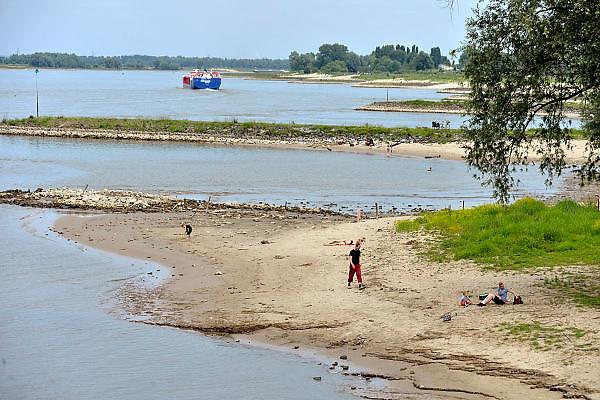 Nederland, Nijmegen, 8-6-2014Serie beelden mbt recreatie langs de rivier de Waal en de waterkant.Foto: Flip Franssen/Hollandse Hoogte