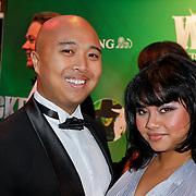 NLD/Scheveningen/20111106 - Premiere musical Wicked, Linda Wagenmakers en partner Greg Kromosoeto