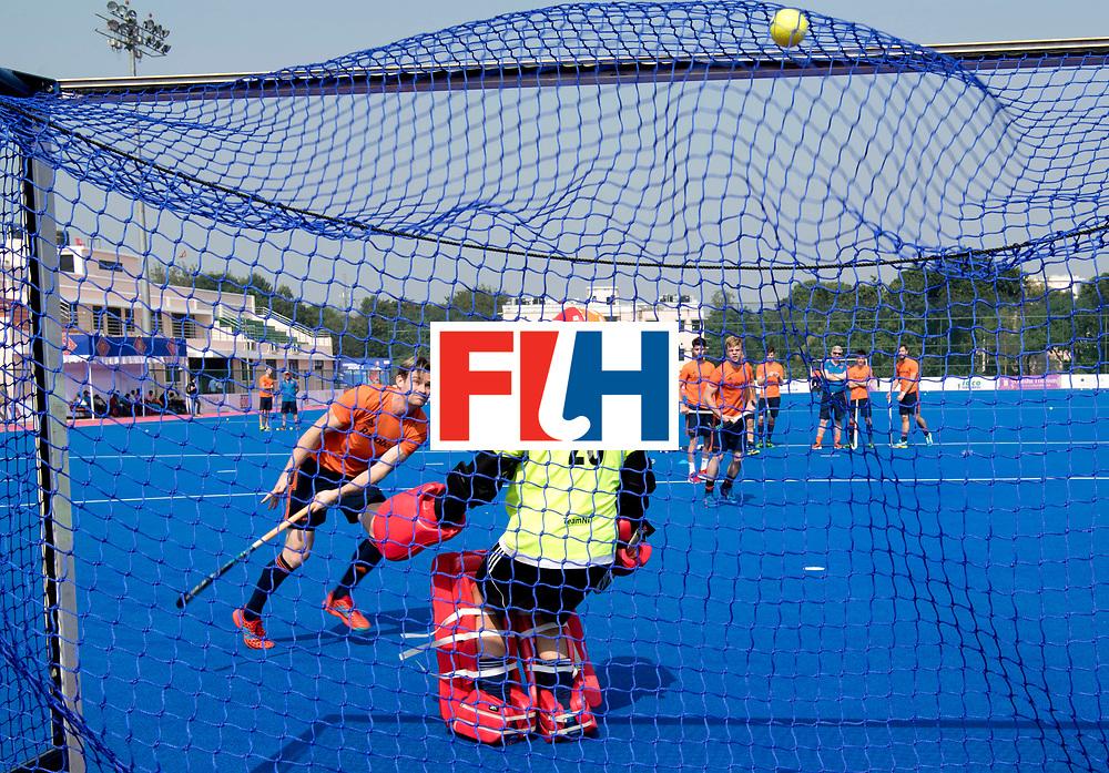 Odisha Men's Hockey World League Final Bhubaneswar 2017<br /> Match id:<br /> Nederlands Elftal traint op de eerste wedstrijd dag.<br /> Nederland komt op dag 2 in actie.<br /> Foto: Penalty corner practice Mirco Pruyser and Pirmin Blaak in the goal.<br /> WORLDSPORTPICS COPYRIGHT FRANK UIJLENBROEK