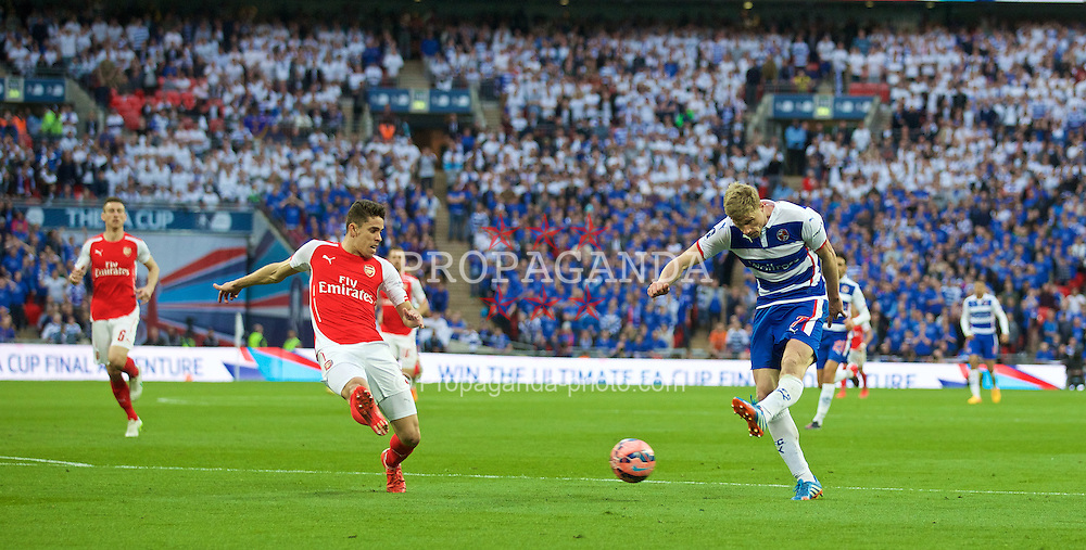 LONDON, ENGLAND - Saturday, April 18, 2015: Reading's Pavel Pogrebnyak in action against Arsenal during the FA Cup Semi-Final match at Wembley Stadium. (Pic by David Rawcliffe/Propaganda)
