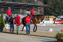 Klimke Ingrid, GER, Horseware Hale Bob<br /> Luhmühlen - LONGINES FEI Eventing European Championships 2019<br /> Impressionen am Rande<br /> Teilprüfung Dressur 4. Teil CCI4*<br /> Dressage CH-EU-CCI4*-L: 4th part<br /> 30. August 2019<br /> © www.sportfotos-lafrentz.de/Dirk Caremans