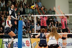 20180110 NED: CEV CUP Sliedrecht Sport - Beziers Angels VB: Sliedrecht<br />Esther Hullegie (3) of Sliedrecht Sport, Krystal Rivers (13) of Beziers VB, Amber Rolfzen (5) of Beziers VB<br />©2018-FotoHoogendoorn.nl / Pim Waslander