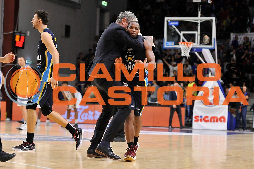 Andrea Conti - Tu Holloway<br /> Banco di Sardegna Dinamo Sassari - Vanoli Cremona<br /> LegaBasket Serie A LBA Poste Mobile 2016/2017<br /> Sassari 26/11/2016<br /> Foto Ciamillo-Castoria