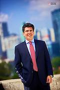 Hugo Santanta Londoño es Ingeniero de Sistemas de la Universidad de Maryland de los Estados Unidos, cuenta con una Maestría en Sistemas de la Información de la Universidad Católica Andrés Bello; y cuenta con un Diplomado en Advanced Management del prestigioso centro de estudios IESA de Venezuela. Adicionalmente, cuenta con más de 60 estudios ejecutivos especializados en Gerencia y Tecnologías obtenidos en varios países de la Región.