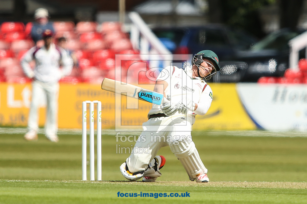 Tom Wells of Leicestershire County Cricket Club takes evasive action during the LV County Championship Div Two match at Grace Road, Leicester<br /> Picture by Andy Kearns/Focus Images Ltd 0781 864 4264<br /> 27/04/2015