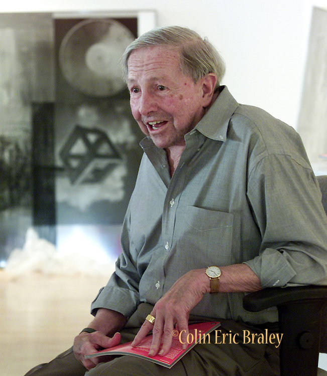 American pop culture artist Robert Rauschenberg is interviewed at a Naples, Florida art gallery featuring his work in this July 13, 2002, file photo. The 82-year-old died Monday, May 12, 2008, of heart failure according to Jennifer Joy, his representative at PaceWildenstein gallery in New York. Rauschenberg's incorporation of everyday items, both common place and the odd in his artwork earned him the reputation as a pioneering pop artist, gaining fame in the 1950's. Photo by Colin Braley.