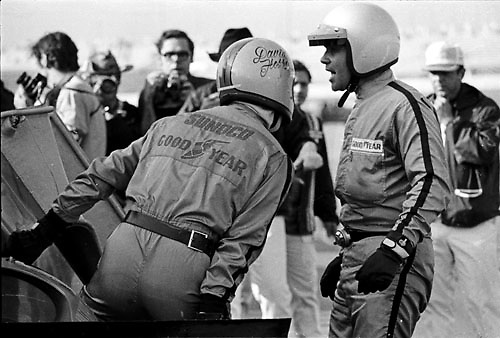 Daytona 24 Hour 1971, David Hobbs and Mark Donohue during Penske Ferrari pit stop; Photo by Pete Lyons 1970/ © 2014 Pete Lyons / petelyons.com