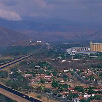 Autopista Caracas-Valencia, San Joaquín, Edo. Carabobo, Venezuela.