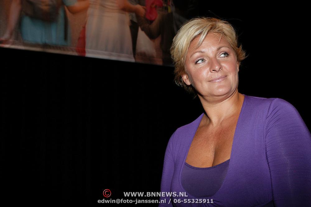 NLD/Hilversum/20080827 - Najaarspresentatie NCRV 2008, Caroline Tensen