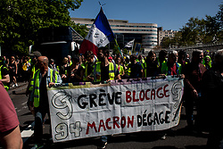Strike to erase Macron.