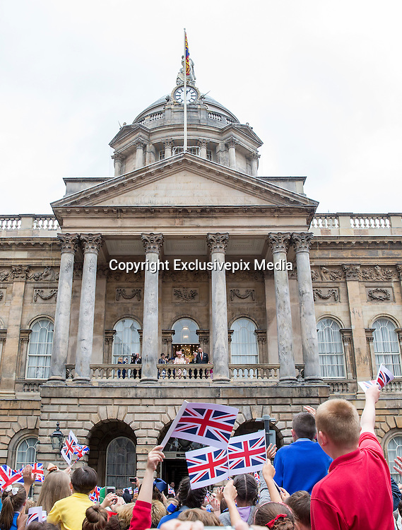 LIVERPOOL-  UK  -22nd June 2016: Britain's HM Queen Elizabeth II visits Liverpool. <br /> The Queen accompanied by HRH The Duke of Edinburgh arrived by Royal Train at Lime Street Station and went on to a reception at the Town Hall where they made an appearance on the balcony for the crowds,<br /> &copy;Ian Jones/Exclusivepix Media