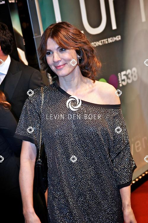 AMSTERDAM - Kim van Kooten op de premiere van de film Loft dinsdag in Amsterdam. De film is vanaf 16 december in de Nederlandse bioscopen te zien. FOTO LEVIN DEN BOER - PERSFOTO.NU